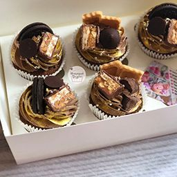 Капкейки с шоколадками маме