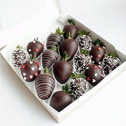 Молочный шоколад клубника