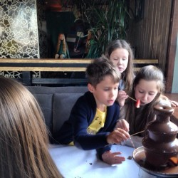 шоколадный фонтан детям