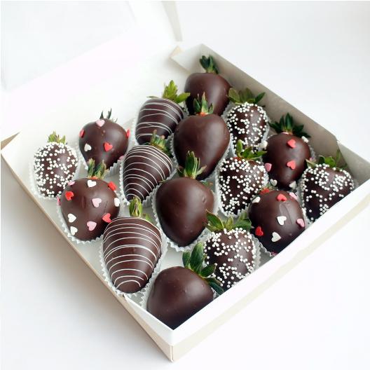 клубника-в-шоколаде-в-коробочке